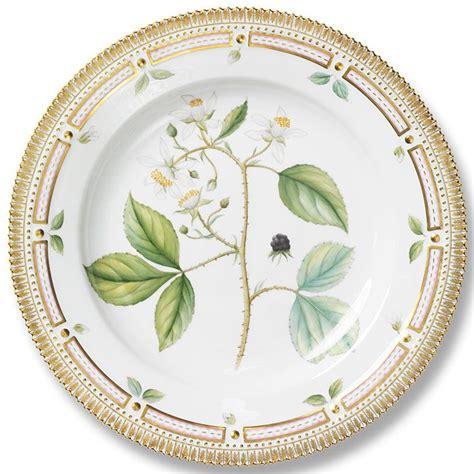 Royal Copenhagen Geschirr by Royal Copenhagen Flora Danica Dinnerware Gracious Style