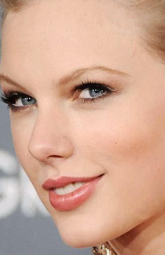 Make Up Terbaik 8 Make Up Terbaik Terburuk Di Grammy Awards 2012 2