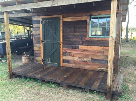 Pallet Sheds by Diy Pallet Shed Pallet Outdoor Cabin Plans 99 Pallets