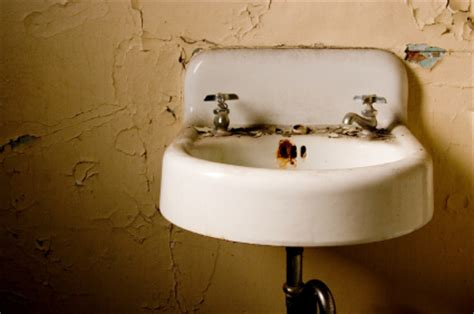 how to remove rust stains from porcelain sink how do you remove rust stains from sink services