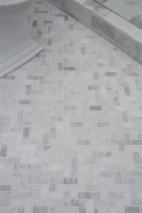 tiles pattern in bathroom 25 best ideas about herringbone marble floor on pinterest