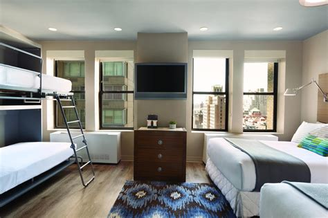 the square room family room standard