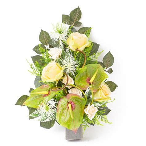 come comporre un mazzo di fiori mazzo di rosa e anturio in plastica con verde