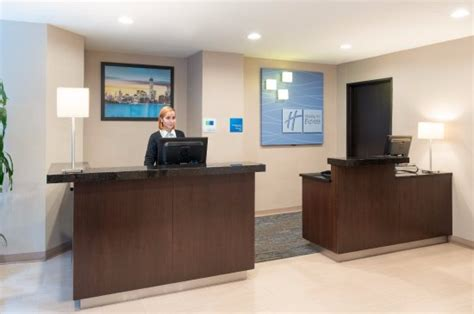 67 wall street front desk front desk bild von holiday inn express new york city