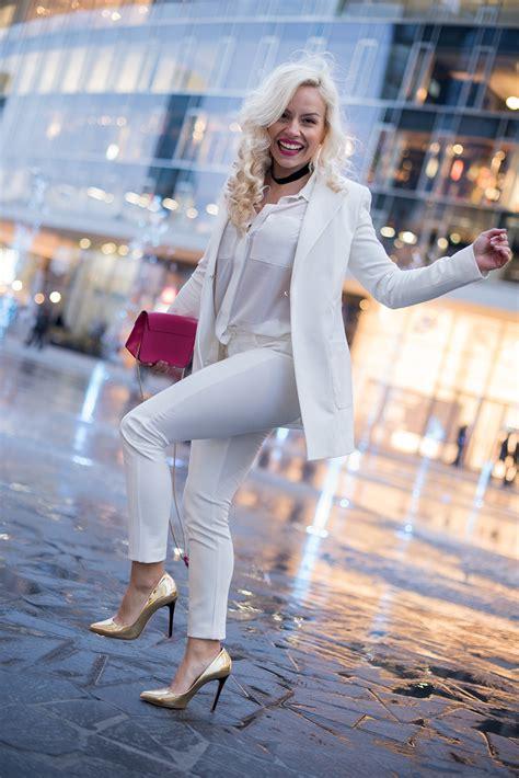 total white total white look come indossare il bianco su bianco