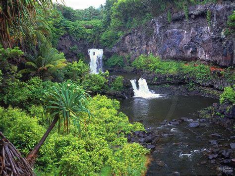 7 Beautiful Photos by 7 Pools Of Oheo Hawaii