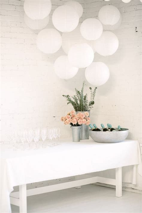 White Decoration Ideas by 25 Best Ideas About White Decorations On
