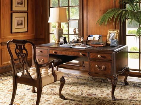 Home And Office Decor Home Office Vintage Office Decor Simple Design Table And Chair Vintage Office Decor That