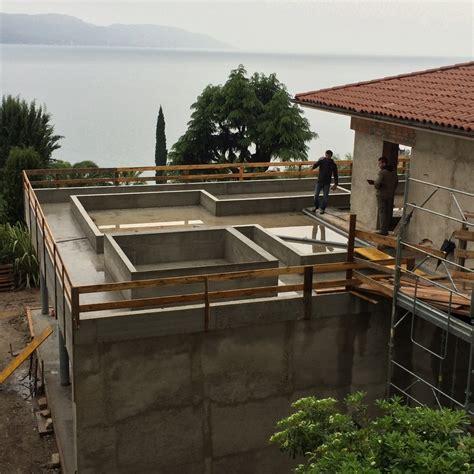 vasca d acqua vasca d acqua formale sulla grande terrazza soggiorno a
