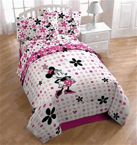 Minnie Mouse Size Comforter by Size Minnie Mouse Bedding Sets