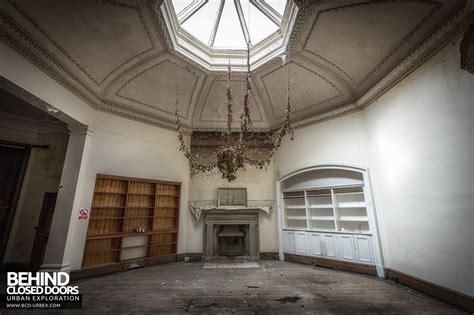 The Room Of Tears by Abandoned Brogyntyn Shropshire Uk 187 Urbex