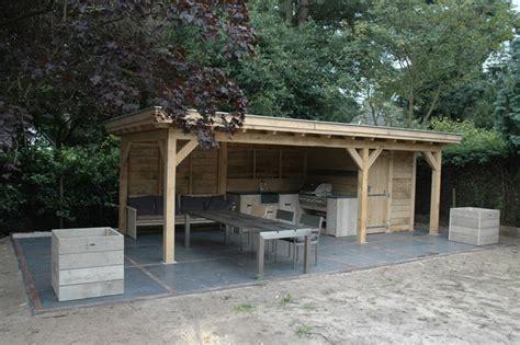 tuinhuis met buitenkeuken het hele jaar door genieten van een buitenkeuken meer keuken
