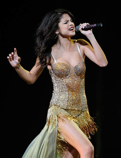 Kaos Selena Gomez 6 selena gomez photos photos selena gomez performs at mandalay bay in las vegas zimbio
