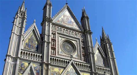 porta di orvieto la facciata duomo di orvieto italia viaggi ricette