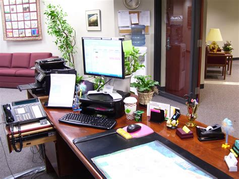 5 Tips For A More Organized Work Desk In The Office How To Organize Office Desk