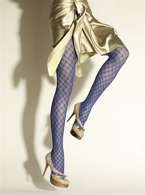 patterned tights blue how to wear tights dress like a parisian