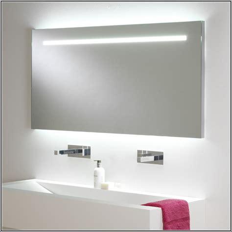 spiegel mit beleuchtung spiegel mit steckdose und beleuchtung haus ideen