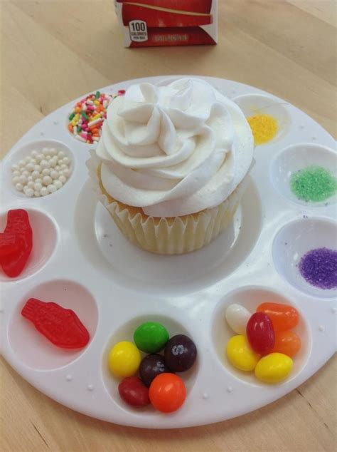 how to decorate cupcakes at home best 25 cupcake decorating party ideas on pinterest