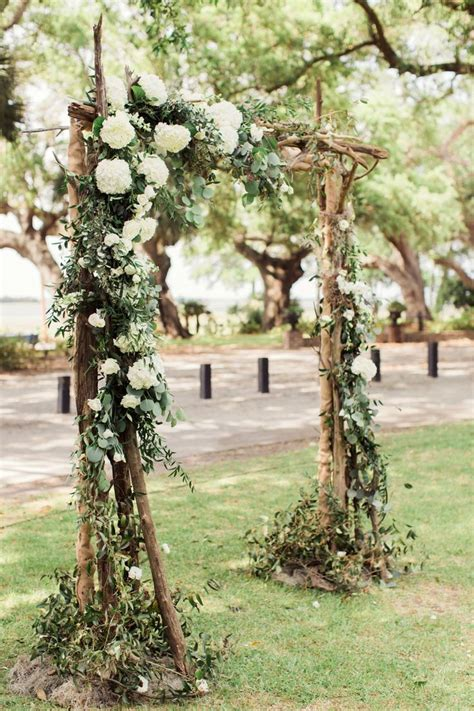 Wedding Arbor Ideas by 17 Best Ideas About Wedding Arbors On Rustic