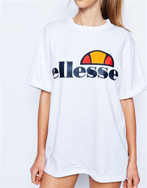 Tshirt Ellesse Oversized Fightmerch lyst ellesse oversized boyfriend t shirt with front logo white in white