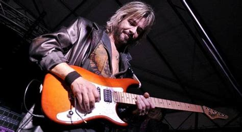 chitarrista vasco morto alberto fortuni chitarrista della cover band veneta
