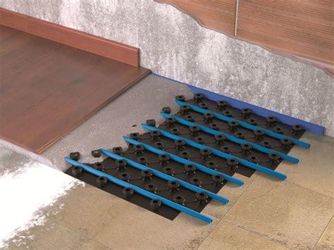 pannelli radianti a pavimento pannello radiante a pavimento renova wavin italia