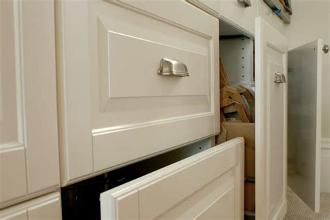 can you paint laminate cabinets white how to paint laminate cabinets ehow