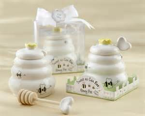 Honey Pot Wedding Favors by Sweet As Can Bee Honey Pot With Wooden Dipper
