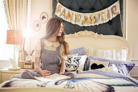 Bachelor Pad Home Decor by Emily Amp Meritt Pb Teen Collaboration Launch