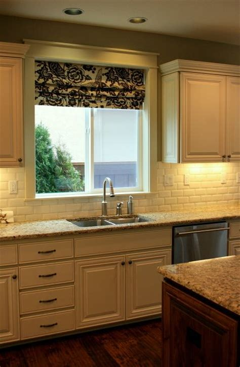 redesigning kitchen 17 best images about kitchen breakfast colors accessories on oak cabinets