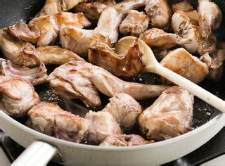 come cucinare il coniglio all ischitana ricette coniglio all ischitana le ricette di giallozafferano