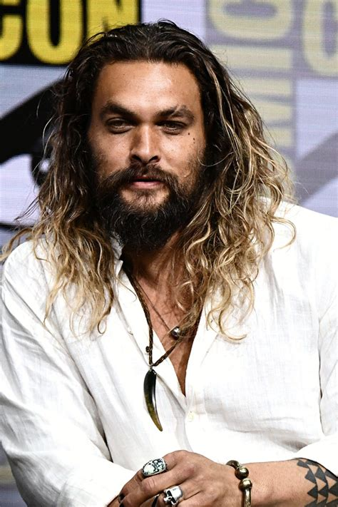 actor who plays aquaman s brother jason momoa daily