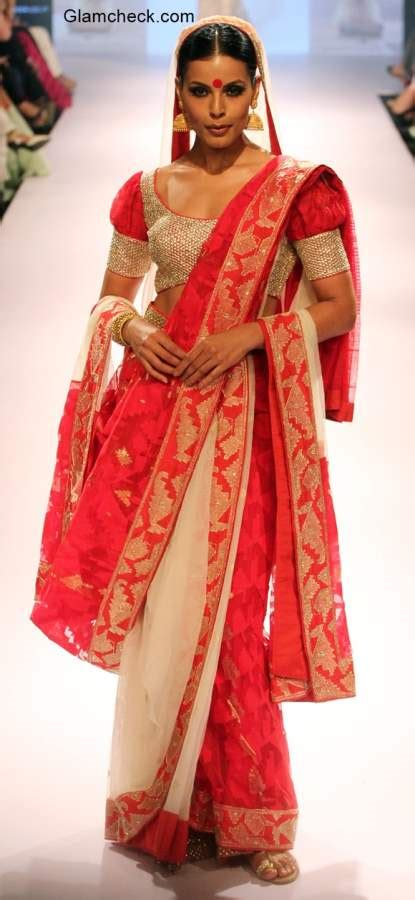 what is traditional style traditional bengali saree for durga puja