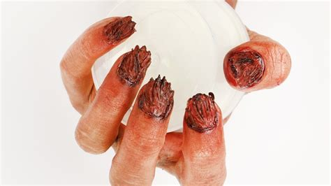 zombie nails tutorial easy zombie nails halloween tutorial halloweenxtra 7
