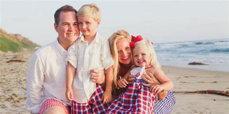 blue family 6 families who nailed color coordinated portraits huffpost