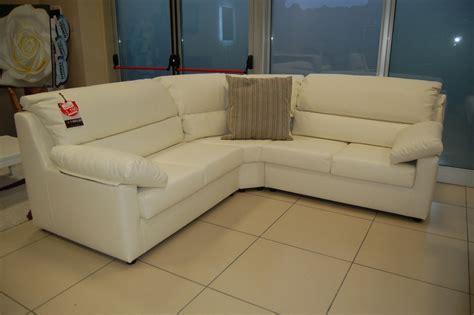offerta divano angolare divano angolare scontatissimo divani a prezzi scontati