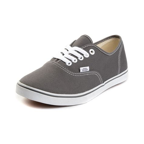 vans authentic lo pro 2121 vans authentic lo pro skate shoe