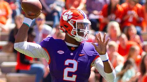 clemson football clemson tigers kelly bryant still no 1 qb despite shaky