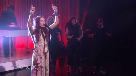 ellen degeneres youtube lauren daigle lauren daigle takes ellen show to church singing about