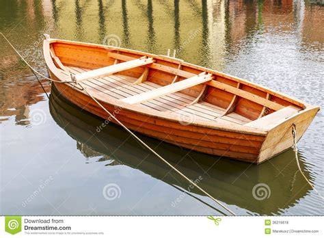 build wooden fishing boat http thumbs dreamstime z wooden boat small fishing