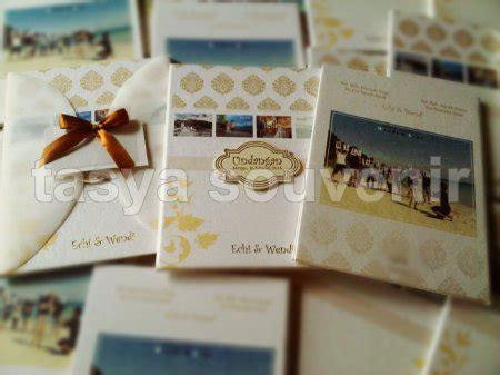 desain undangan pernikahan unik di semarang undangan murah di semarang contoh undangan contoh