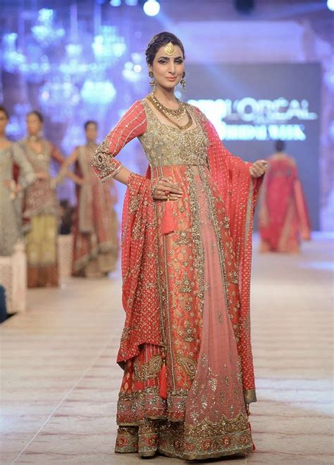 Latest Bridal Gowns Trends & Designs Collection 2018-2019 Indian Designer Bridal Dresses 2017
