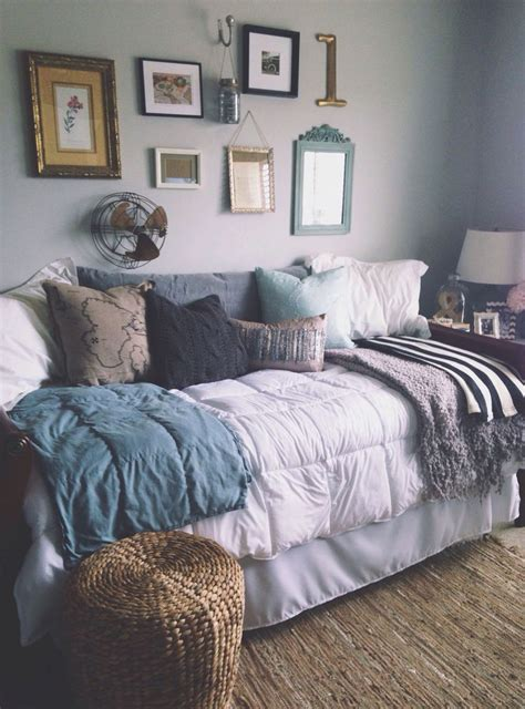 daybed bedding ideas 25 best ideas about daybed couch on pinterest spare