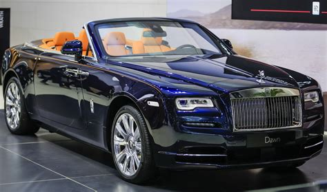 roll royce dubai rolls royce brings two new special editions to dubai