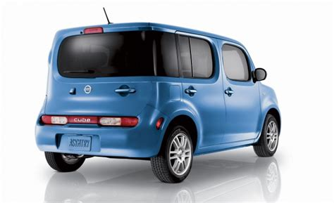 Special Produk Tomica As 02 Datsun Go Blue Diecast Miniatur Mobil nissan introduces special edition indigo cube that isn t