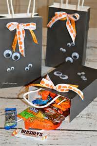 how to make halloween candy bags diy halloween treat bags and a halloween candy cookie bars