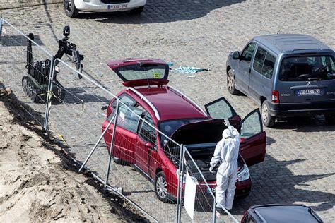 Berlin Auto Rast In Menge by Mann Rast Auf Menge Zu Wohl Anschlag In Antwerpen