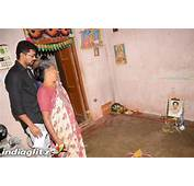 Vijay Visits The Family Of His Fans Died In Road Accident