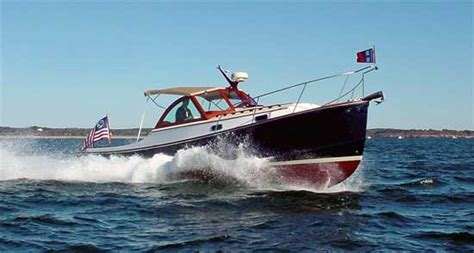 small displacement motor boat time to throttle back boats