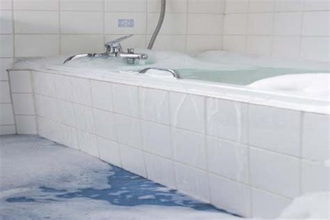 how much do bathtub liners cost bathtub cost how much does labor cost to install laminate